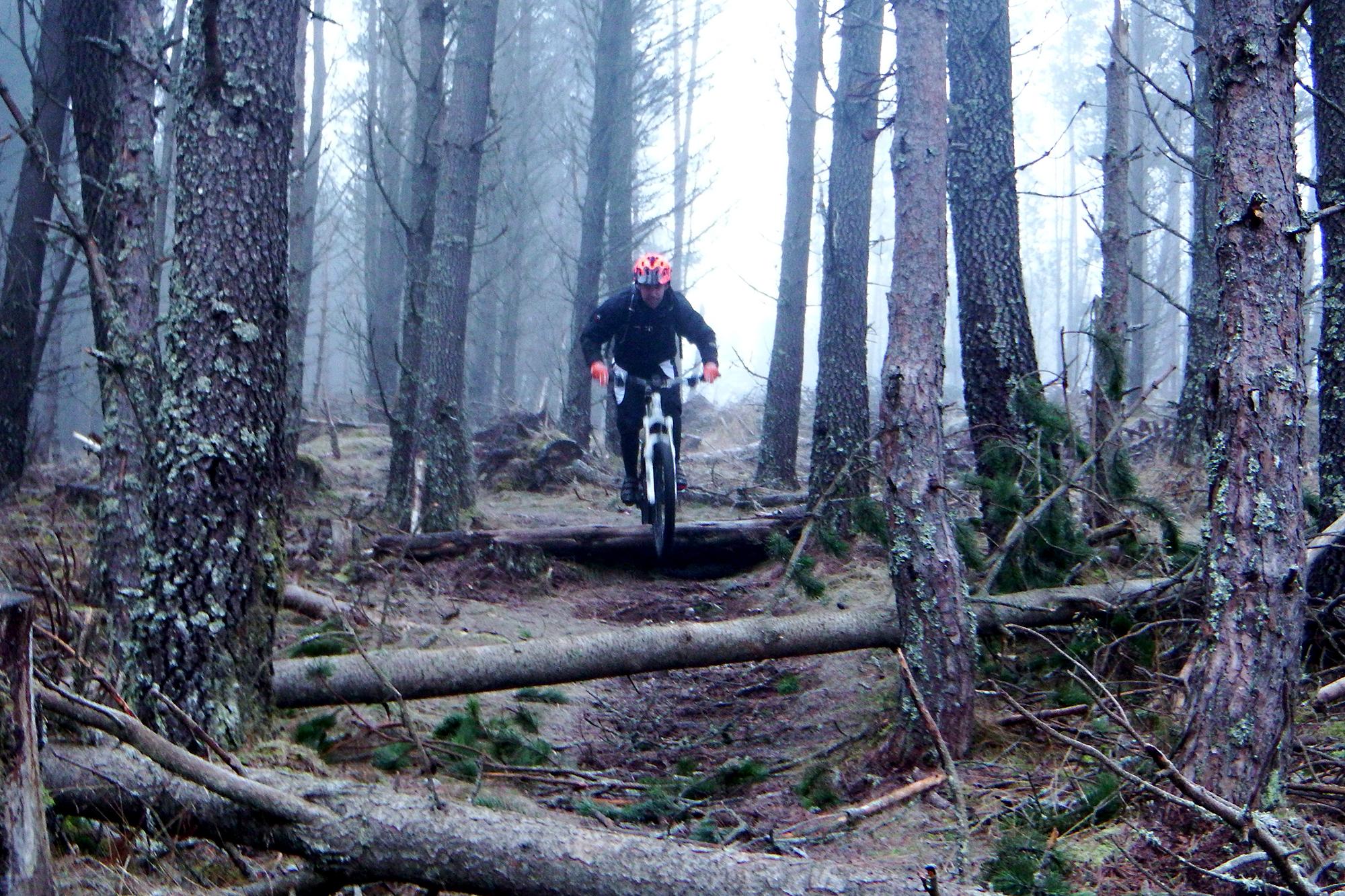 Jonny mcconnell Riding Enduro Trails Lapierre High Burnside Aviemore