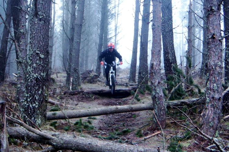 Jonny mcconnell Riding Enduro Trails Lapierre High Burnside Aviemore