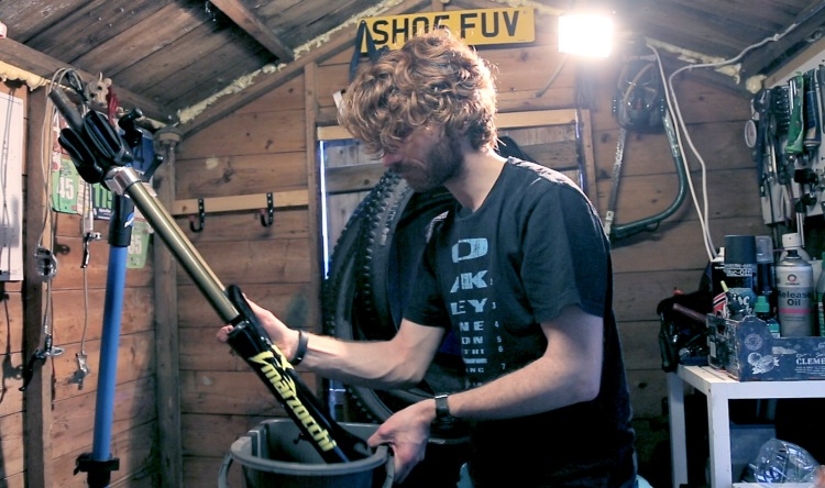 MTB fork service lower oil change stravaiging shed time